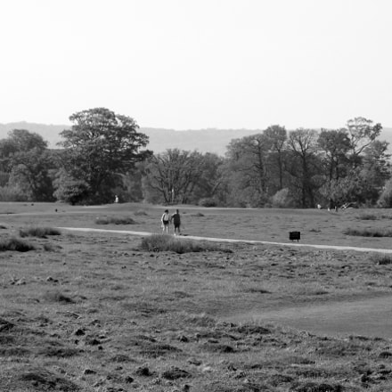 walkers bw, Canon EOS 1300D, Canon EF 28-80mm f/3.5-5.6 USM IV