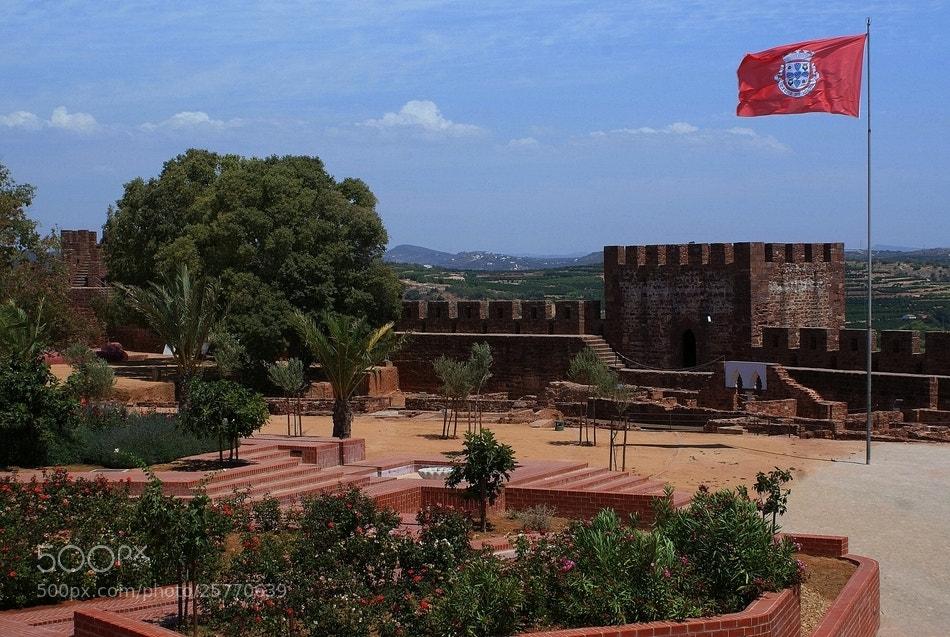 Photograph Castelo e ruínas do Palácio Almóada by José Costa on 500px