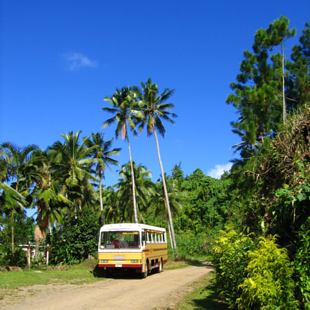 Bus to Bouma, Canon DIGITAL IXUS 500