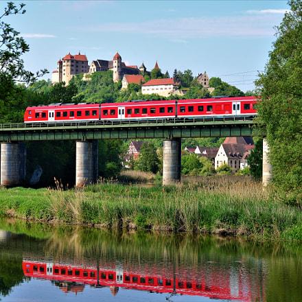 modern train in the, Nikon D600, AF Zoom-Nikkor 80-200mm f/2.8 ED