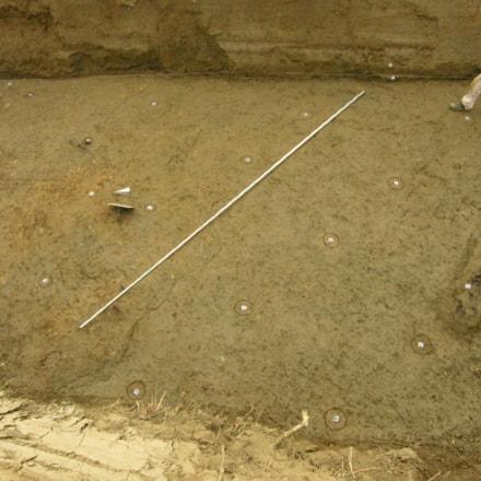 Discesa nello scavo., Nikon E8400
