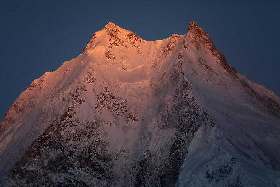 Pink mountain top Manaslu - 8156 meters, автор — Сергей К на 500px.com