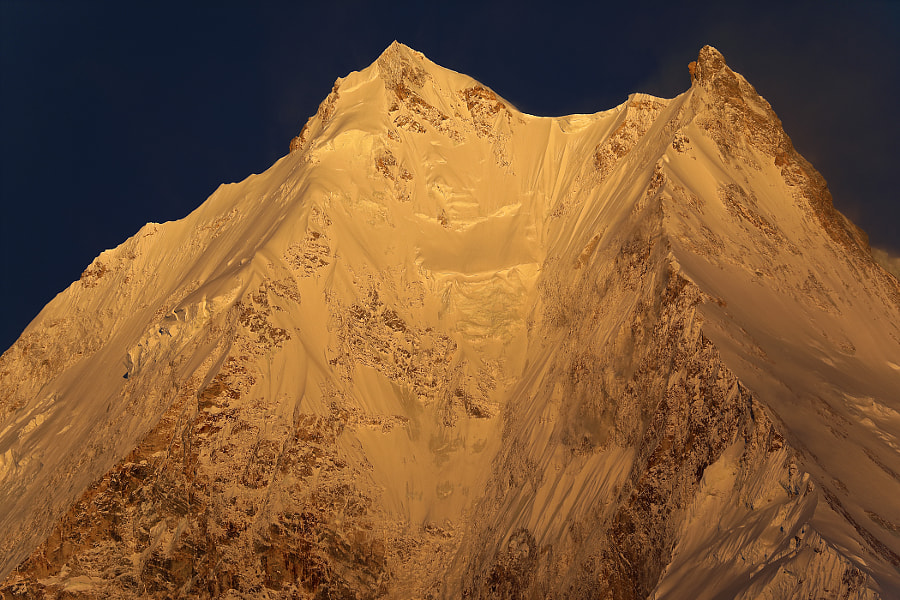 Sunrise on the mountain top Manaslu - 8156 meters, автор — Сергей К на 500px.com