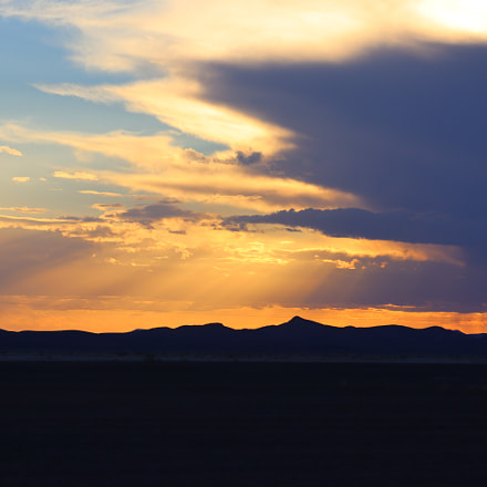 Sunset near Merzouga, Canon EOS M50, Canon EF-M 55-200mm f/4.5-6.3 IS STM