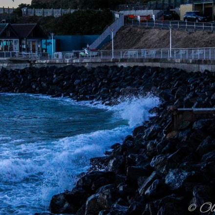 Crashing waves, Canon EOS 3000D
