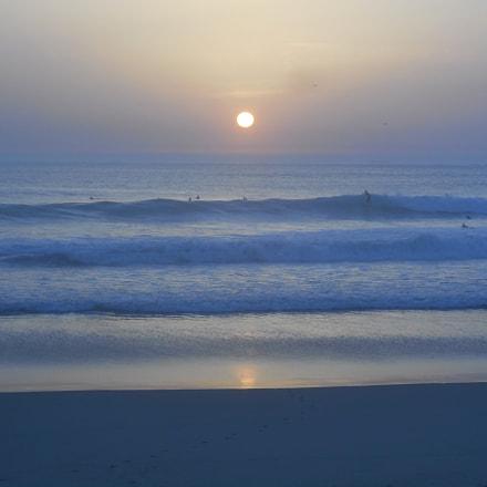 Melancholic surfers, Nikon COOLPIX S3700