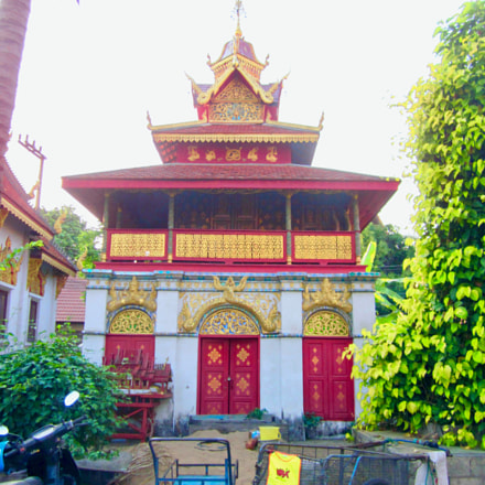 Temple in Chiang Mai, Canon IXUS 105