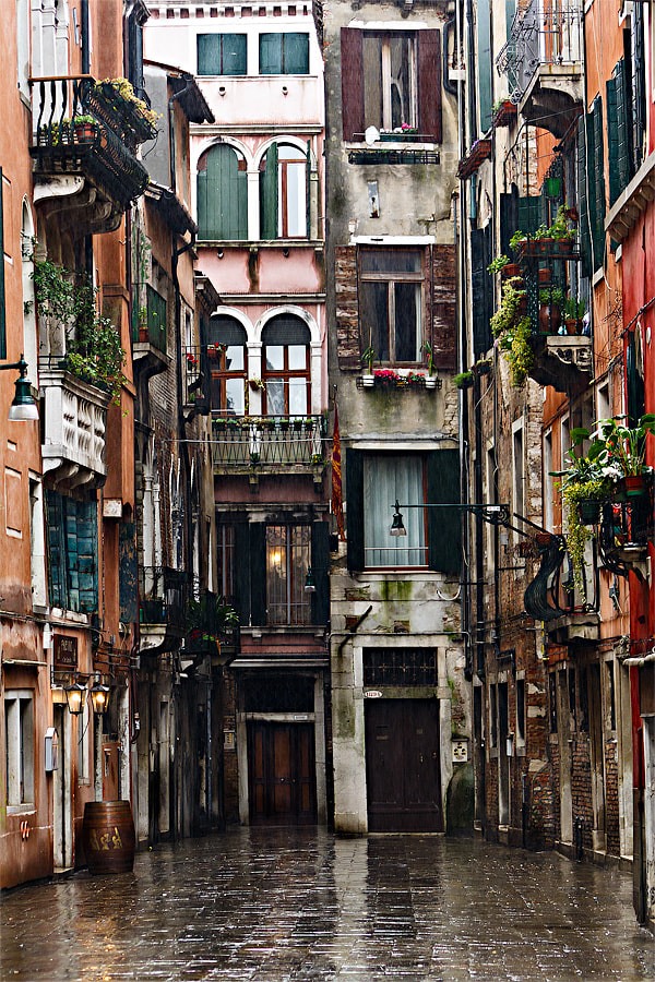 "Photograph Italy – Venice ""Calle dei Botteri"" by Fabrizio Fenoglio on 500px"