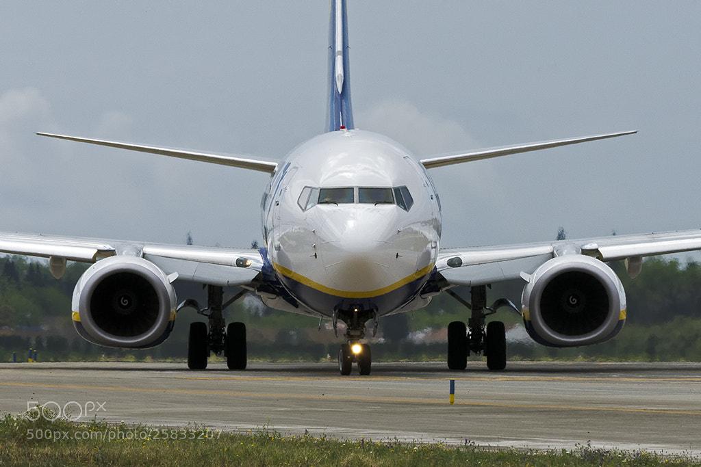 Photograph Boeing 737-800 Ryanair  by Óscar Gallego Ruiz on 500px