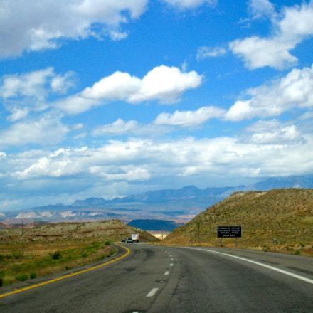 wandering desert road trip, Canon POWERSHOT SD870 IS