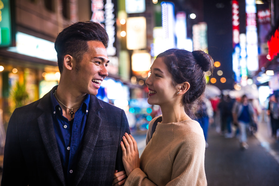 Happy japanese couple dating outdoors in Tokyo by fabio formaggio on 500px.com