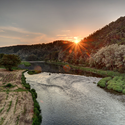 Sunset over the river, Canon EOS M50, Canon EF-M 15-45mm f/3.5-6.3 IS STM