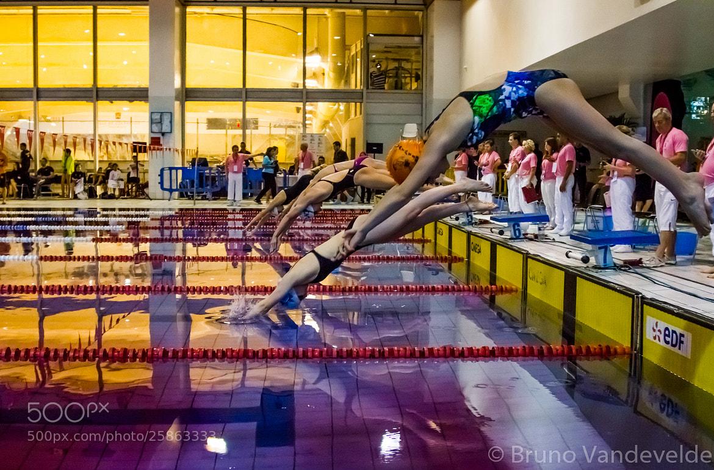 Photograph Swim-show Courbevoie by Bruno Vandevelde on 500px