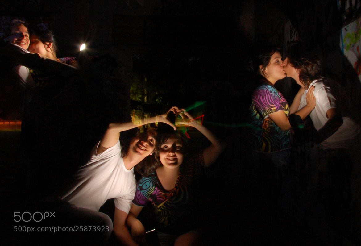 Photograph Photographers Lovers Playing with flash. by Maria Xavier on 500px