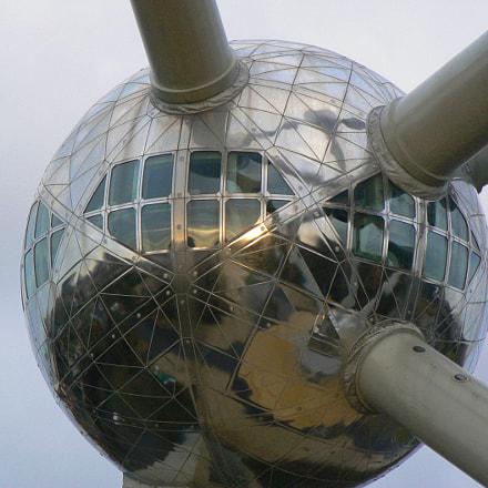 Atomium detail, Panasonic DMC-FZ7