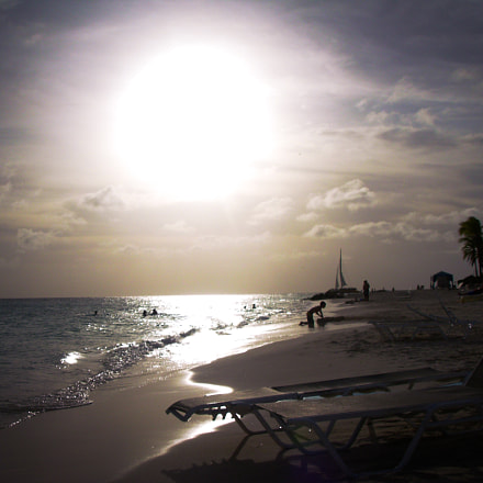 Aruba, Nikon COOLPIX L1