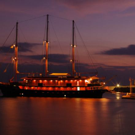 Ship in dawn, Pentax K-5