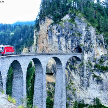 The Landwasser Viaduct, Canon POWERSHOT SX240 HS