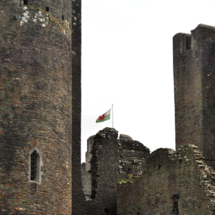 Towers and Flag --Caerphilly, Nikon D2X, AF Zoom-Nikkor 28-80mm f/3.3-5.6G