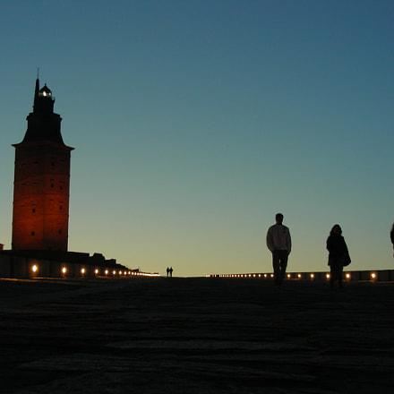 Siluetas en la torre, Nikon COOLPIX S4