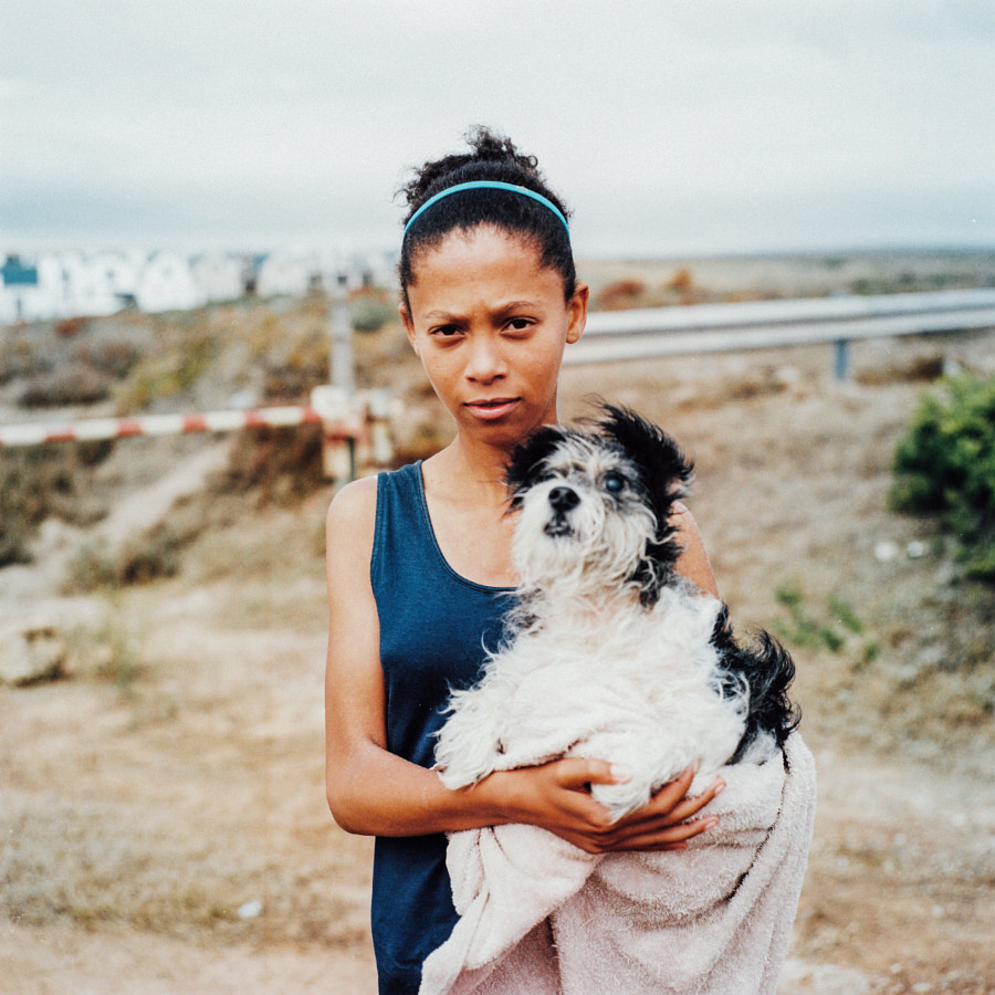 girl with her blind dog, grotto bay by Rob Hunter on 500px.com