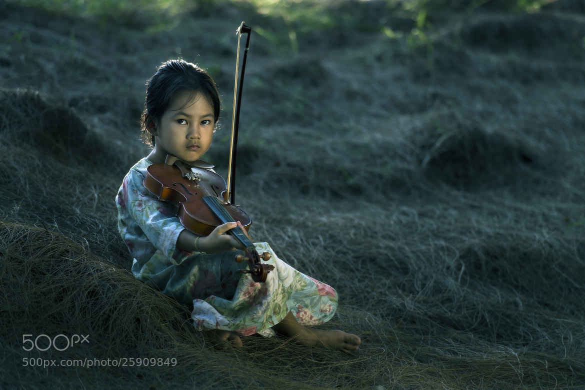 Photograph malay girl by Yaman Ibrahim on 500px