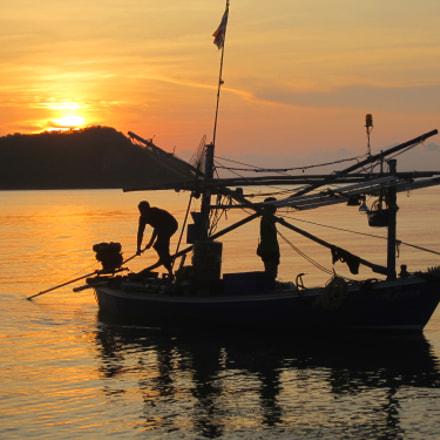 Thai fishing boat, Canon IXUS 115 HS