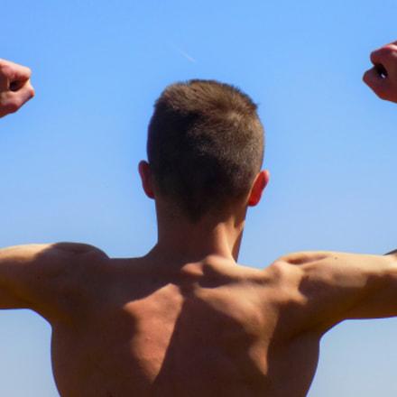 Men workout.., Nikon COOLPIX L330