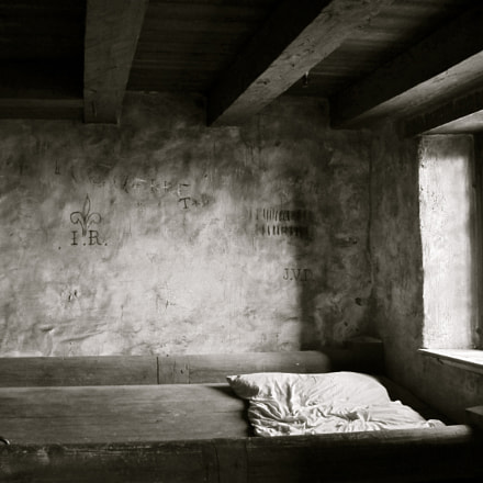 Barracks Bed, Canon POWERSHOT D10