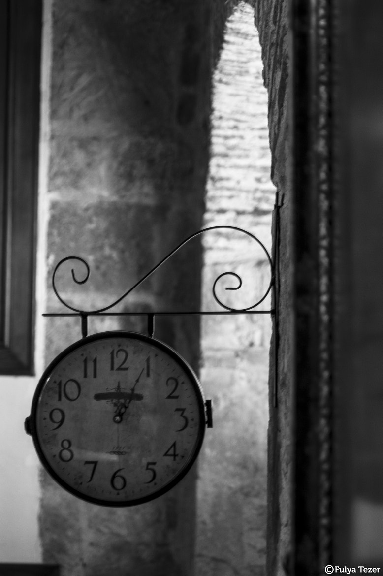 Photograph o'Clock by Fulya Tezer on 500px