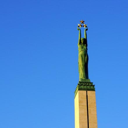 Freedom Monument, Sony NEX-7, Sony E 18-55mm F3.5-5.6 OSS