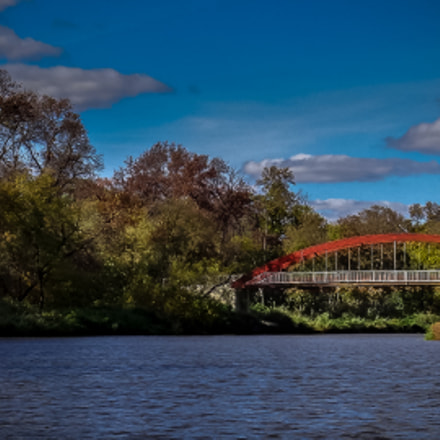 RED BRIDGE OF LASALLE, Sony DSC-TX10