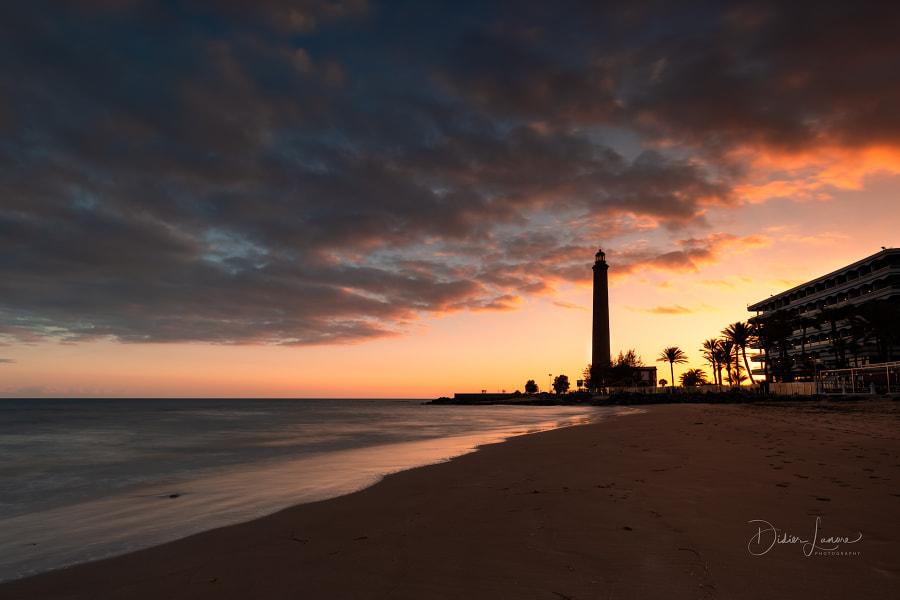 Sunset at Maspalomas Lighthouse, автор — Didier Lanore на 500px.com