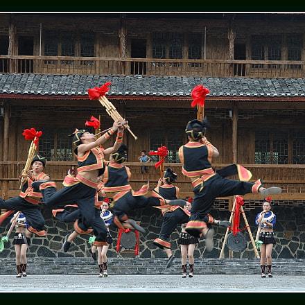 Miao Folk Dancing, Nikon D70S, AF-S DX Zoom-Nikkor 18-70mm f/3.5-4.5G IF-ED