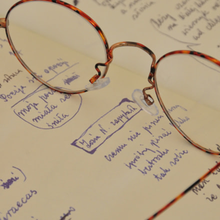 glasses, handwriting book, Nikon D300S, Sigma 18-200mm F3.5-6.3 DC OS HSM