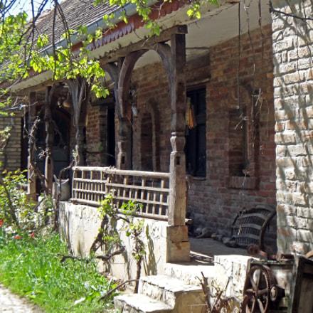 Old House, Sony DSC-TX10