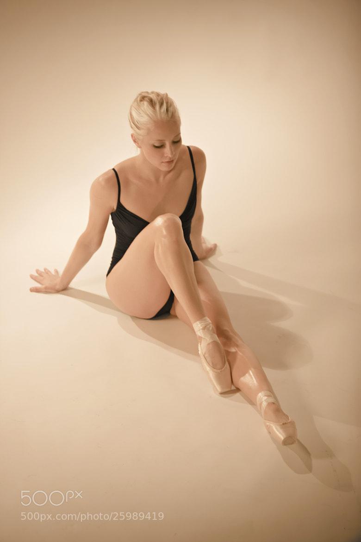 Photograph Dancer - Hannah by Sven Bannuscher on 500px