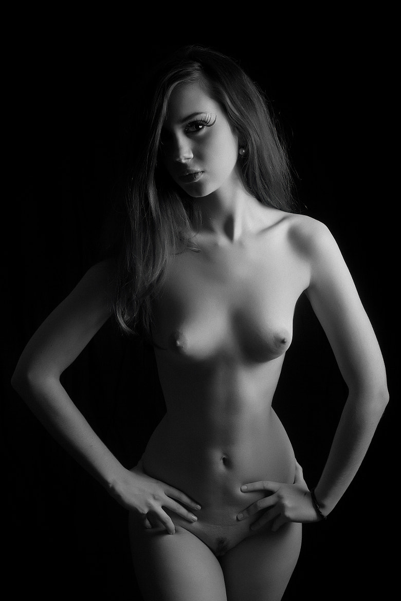 Photograph Low Key Nude by Alexandre Cicconi on 500px