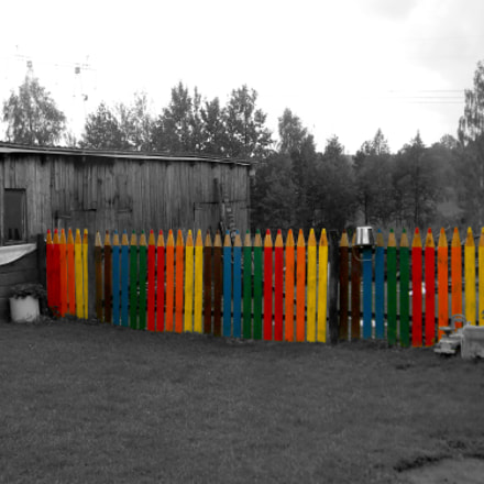 that colorful fence, Nikon COOLPIX L110
