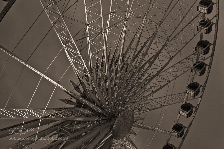 Photograph La grande roue - Paris by Olivier Bergeron on 500px