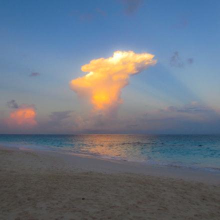 Bermuda skies, Canon IXUS 230 HS