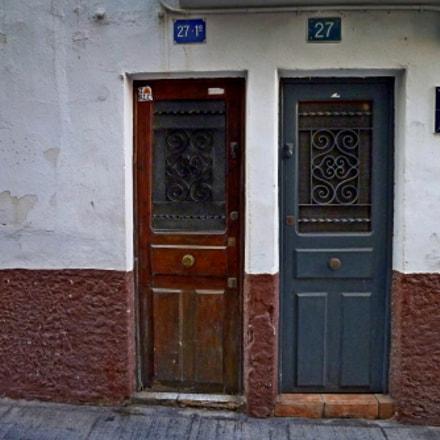 Two doors two colors, Panasonic DMC-FX60