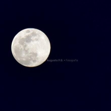 Cuando la Luna se, Nikon D750, AF Zoom-Nikkor 80-200mm f/2.8D ED