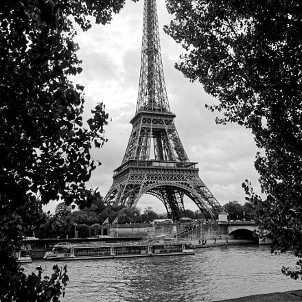 Eiffle Tower., Nikon D70, AF-S DX Zoom-Nikkor 18-70mm f/3.5-4.5G IF-ED