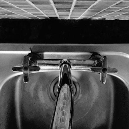 A sink, Panasonic DMC-TZ7