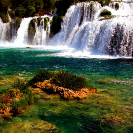 Krka emerald waterfall, Nikon COOLPIX L610