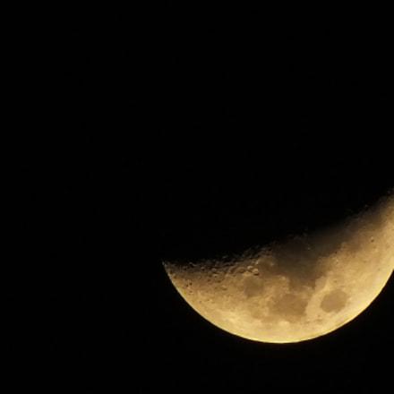 Moon, Fujifilm FinePix HS35EXR