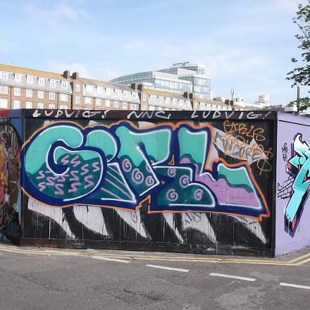 Girl Graffiti Old Market, Fujifilm FinePix JV250