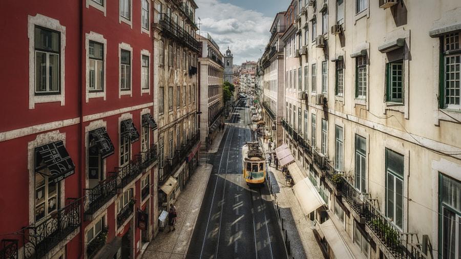 Streetview in Lisbon, автор — Michael Bube на 500px.com