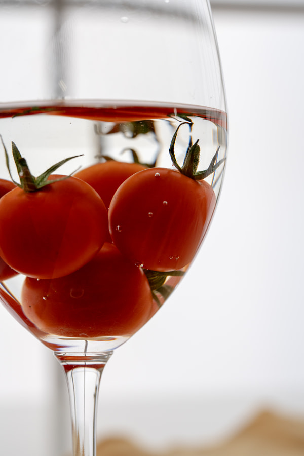 500px.comのfotois youさんによるMini Tomato Macro